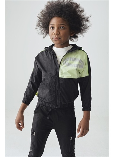 Nebbati Erkek Çocuk Siyah Yağmurluk Siyah